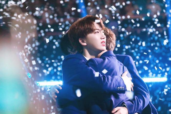 100 khoảnh khắc khóc cạn nước mắt của các thực tập sinh tại đêm chung kết Produce X 101 ảnh 62