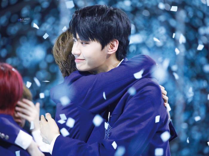 100 khoảnh khắc khóc cạn nước mắt của các thực tập sinh tại đêm chung kết Produce X 101 ảnh 13