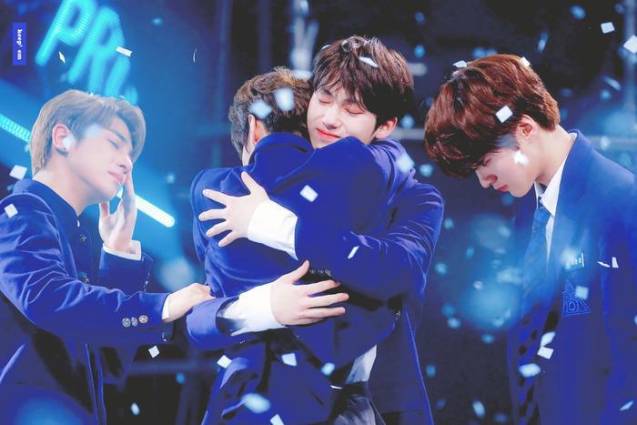 100 khoảnh khắc khóc cạn nước mắt của các thực tập sinh tại đêm chung kết Produce X 101 ảnh 44