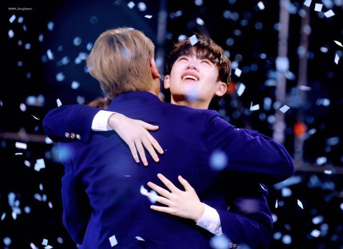 100 khoảnh khắc khóc cạn nước mắt của các thực tập sinh tại đêm chung kết Produce X 101 ảnh 46
