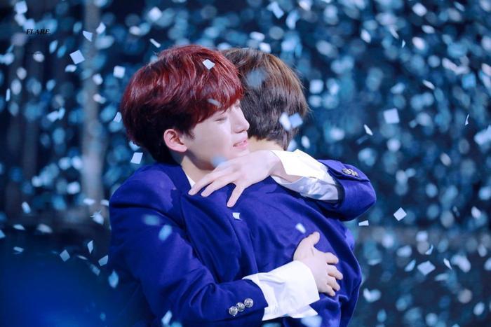 100 khoảnh khắc khóc cạn nước mắt của các thực tập sinh tại đêm chung kết Produce X 101 ảnh 59