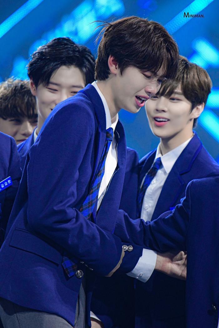 100 khoảnh khắc khóc cạn nước mắt của các thực tập sinh tại đêm chung kết Produce X 101 ảnh 64