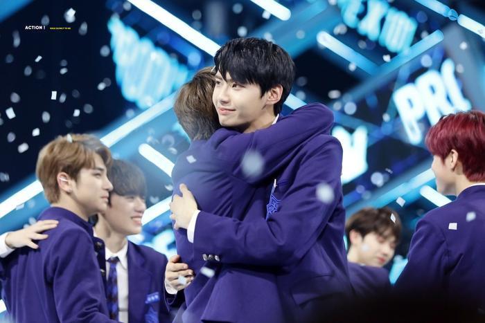 100 khoảnh khắc khóc cạn nước mắt của các thực tập sinh tại đêm chung kết Produce X 101 ảnh 11