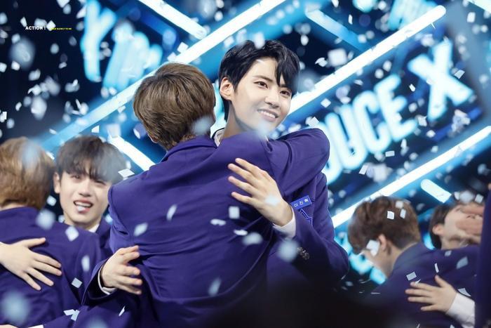 100 khoảnh khắc khóc cạn nước mắt của các thực tập sinh tại đêm chung kết Produce X 101 ảnh 10