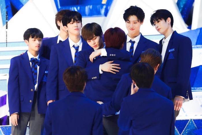 100 khoảnh khắc khóc cạn nước mắt của các thực tập sinh tại đêm chung kết Produce X 101 ảnh 70