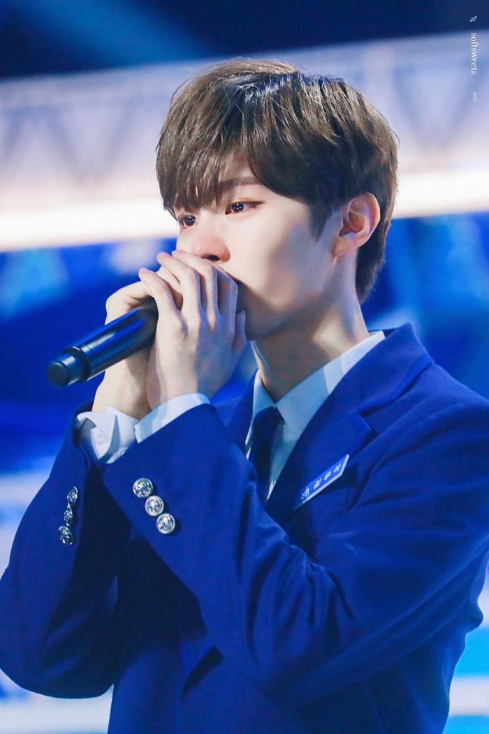 100 khoảnh khắc khóc cạn nước mắt của các thực tập sinh tại đêm chung kết Produce X 101 ảnh 3