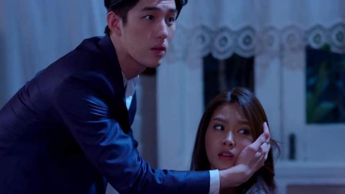 5 phim truyền hình Thái Lan remake đáng xem nhất nửa đầu năm 2019: Nhất định không nên bỏ lỡ Con tim sắt đá 2019 ảnh 9