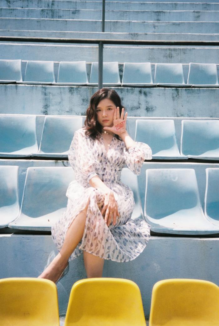 Hình ảnh Suni Hạ Linh trong MV.