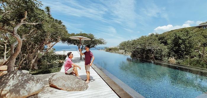 Còn vợ chồng Adrian Anh Tuấn là một trong những cặp đôi đẹp nhất trong Vbiz hiện nay.
