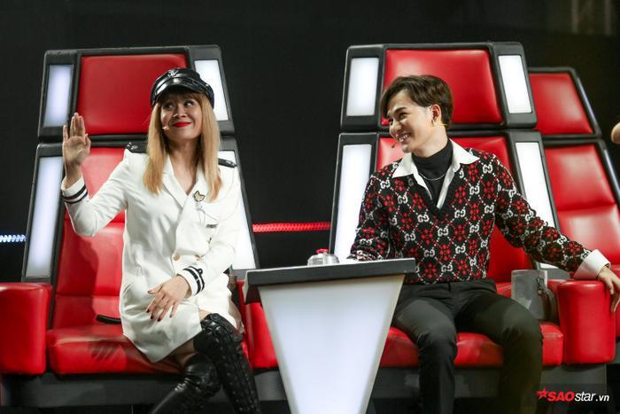 Đã đến lúc 2 HLV có uy tín nhất tại sân chơi The Voice Kids tung chiêu thuyết phục thí sinh.