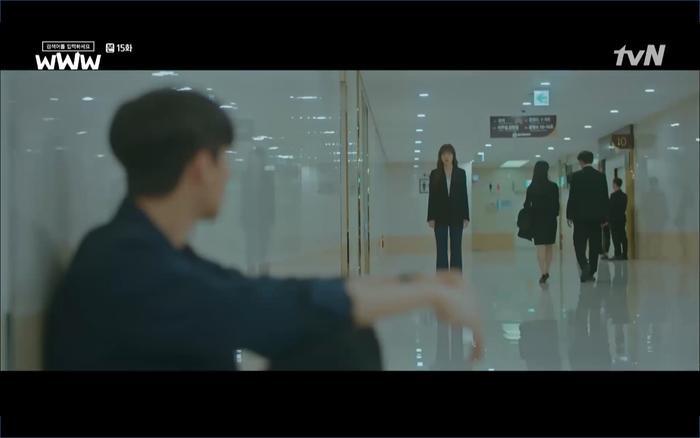 Phim 'Search: WWW' tập 15: Hậu chia tay Im Soo Jung gặp lại Jang Ki Yong trong đám tang của mẹ.