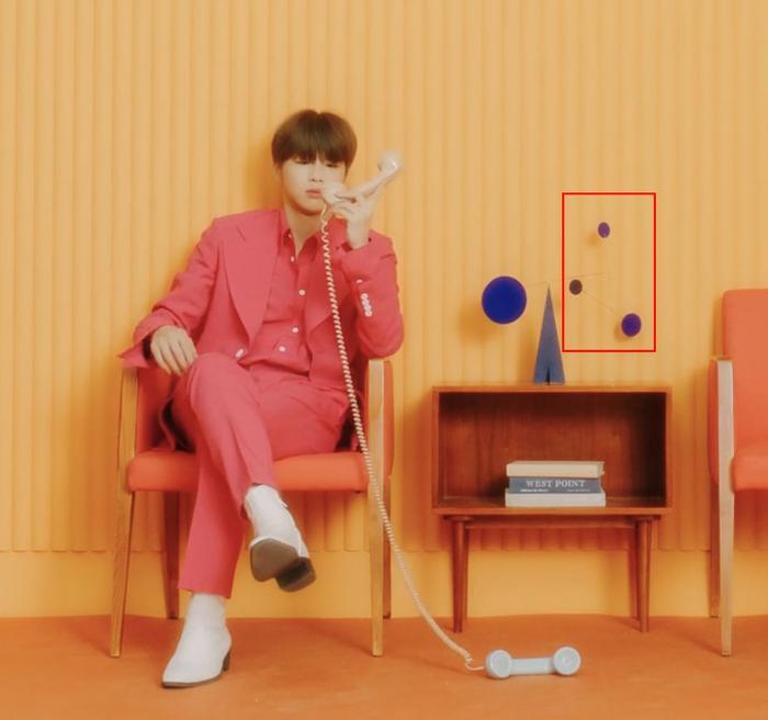Ba điểm tròn được fan nhắc đến trong teaser.