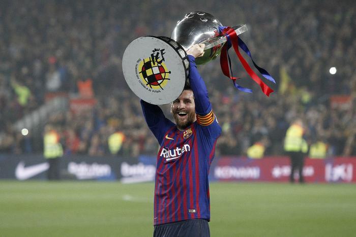 Messi xuất sắc đứng đầu trong số các huyền thoại.
