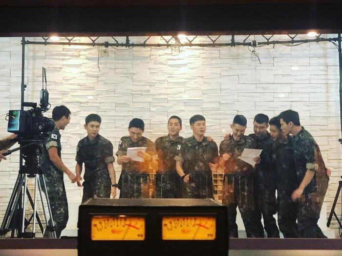 Boy band quân ngũ quy tụ nhiều idol KPop nổi tiếng.