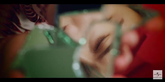 Taemin (SHINee) khẳng định danh hiệu cỗ máy nhảy với vũ đạo quyến rũ trong teaser MV Famous ảnh 3