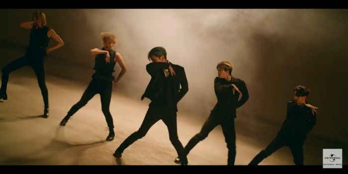 Taemin (SHINee) khẳng định danh hiệu cỗ máy nhảy với vũ đạo quyến rũ trong teaser MV Famous ảnh 7