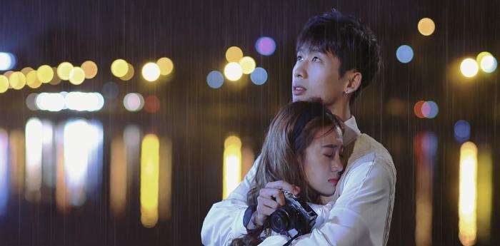 Tập 5 '21 ngày yêu em': Ngôn tình khép lại trong màn mưa, Salim bỏ Việt kiều vì yêu Tuấn Trần