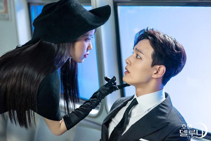 Điểm danh loạt nam thần xứ Hàn có xương hàm sắc nét như dao cạo ảnh 2