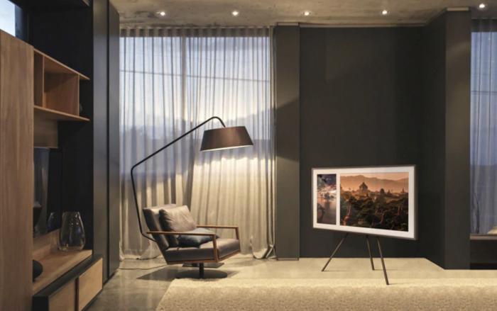 Samsung TV QLED phiên bản Frame được thiết kế tựa như một chiếc khung tranh.