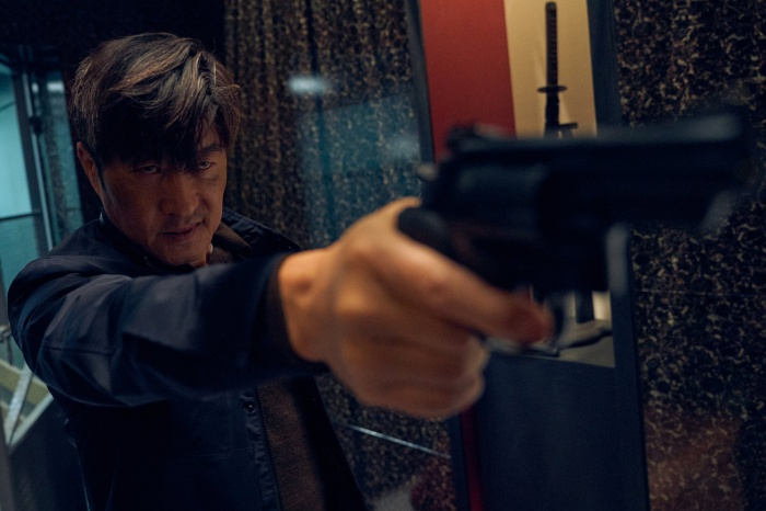 Jang Ki Yong ngầu lòi  Kim Ah Joong đốt mắt người xem với thân hình quyến rũ trong Bad Guys: The Movie ảnh 7