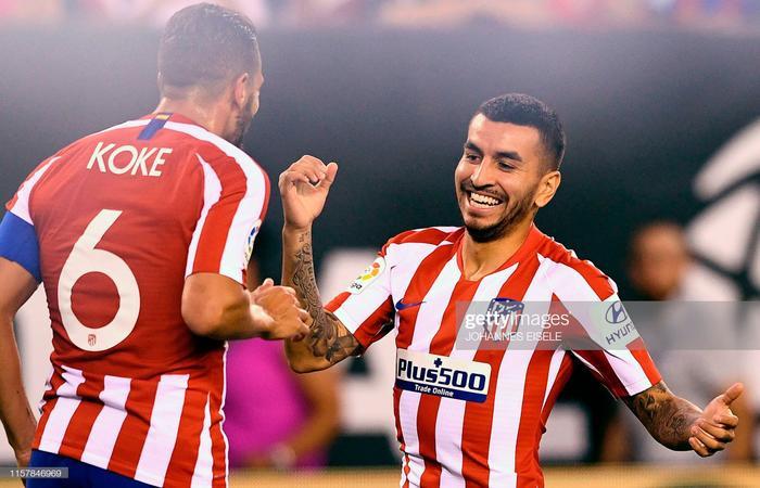 Thế trận ở hiệp 2 không khác nhiều so với hiệp đấu đầu tiên. Atletico vẫn chơi cực hay và có cho mình thêm 2 bàn thắng. Diego Costa hoàn tất ú Porke trước khi nhận thẻ đỏ rời sân vào phút thứ 65. Bàn còn lại được ghi do công của Vitolo vào phút 70.