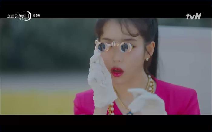 Phim Hotel Del Luna tập 5: IU nổi trận lôi đình khi Yeo Jin Goo dám đồng ý kết hôn với hồn ma ảnh 25