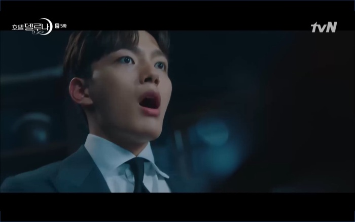 Phim Hotel Del Luna tập 5: IU nổi trận lôi đình khi Yeo Jin Goo dám đồng ý kết hôn với hồn ma ảnh 31