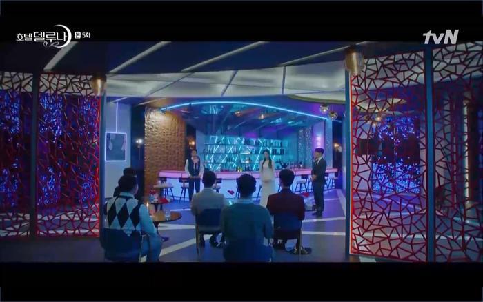Phim Hotel Del Luna tập 5: IU nổi trận lôi đình khi Yeo Jin Goo dám đồng ý kết hôn với hồn ma ảnh 32