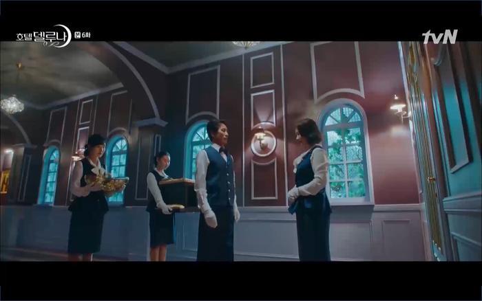 Phim Hotel Del Luna tập 6: IU ghen và giận dỗi vì Yeo Jin Goo gặp bạn gái cũ ảnh 12