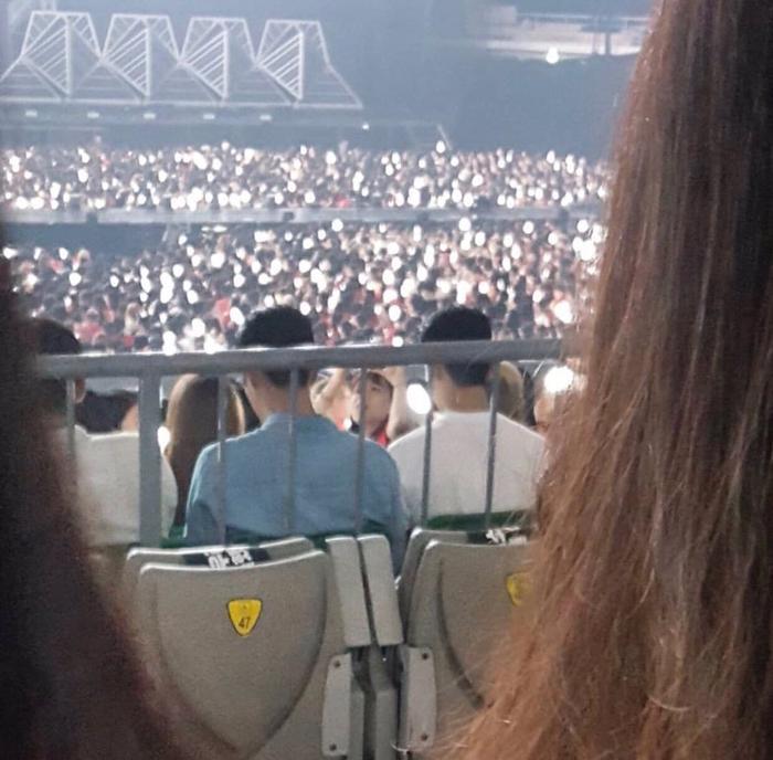 Xiumin được cho là đi xem concert EXO với hai thành viên Donghae và Siwon của Super Junior.