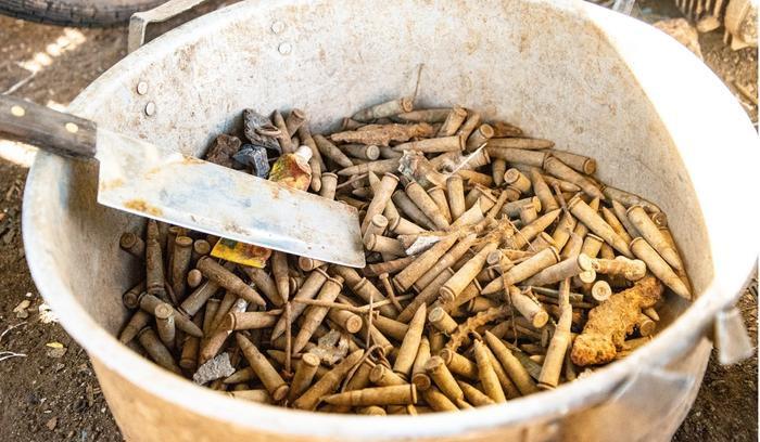 Đầu đạn là 'di sản' của chiến tranh tại Quảng Trị.