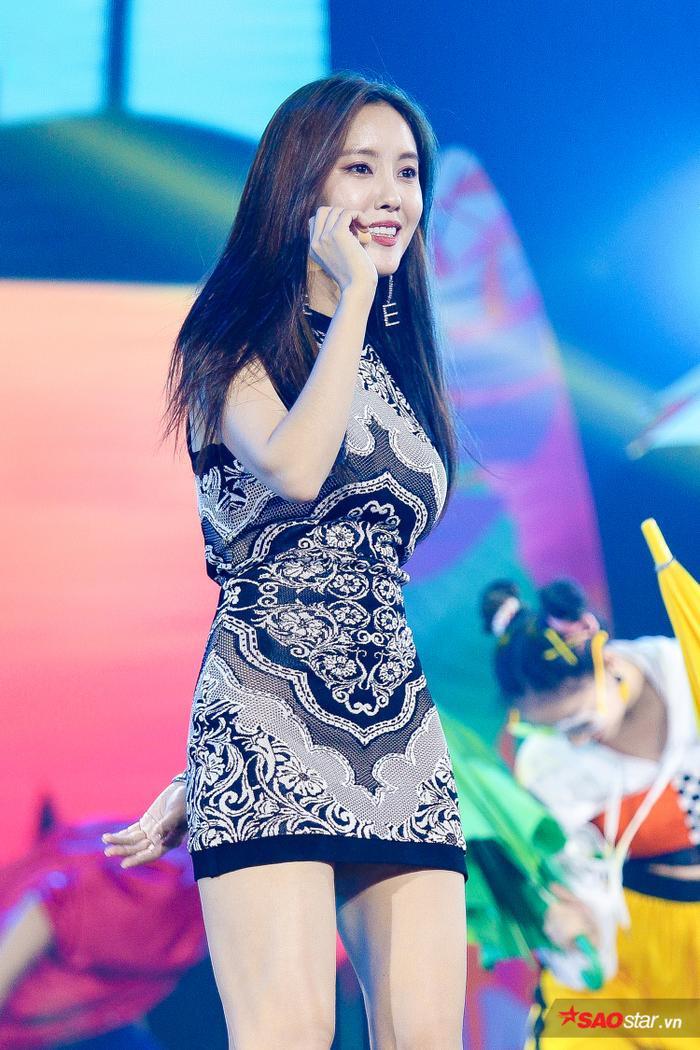Cô nàng Hyomin rạng rỡ.