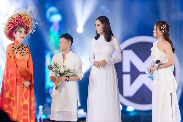 Mai Phương Thúy - Nam Em bên NTK Ngô Nhật Huy