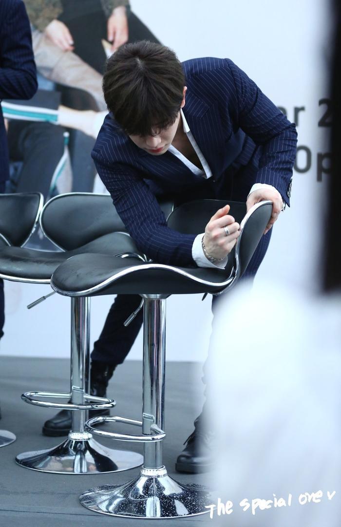 …các thành viên còn khiến chúng trở nên hoàn hảo nhất cho Monbebes, đặc biệt là hành động đẹp này của Wonho.