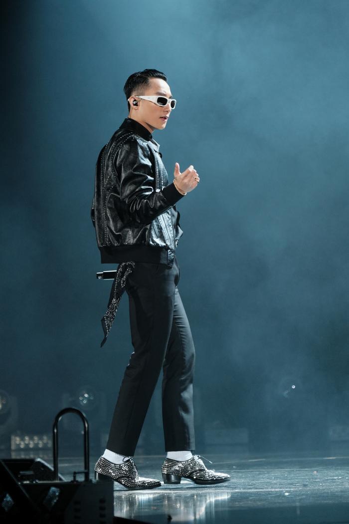 Hy vọng Sơn Tùng sẽ sớm cho ra mắt những sân khấu từ Sky Tour để những ai không có cơ hội tham gia được chứng kiến màn thể hiện của nam ca sĩ.