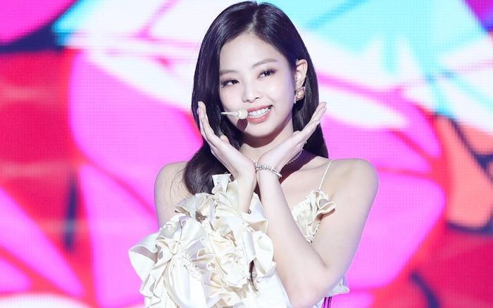 Jennie chứng tỏ được sức hút của mình qua MV debut solo.
