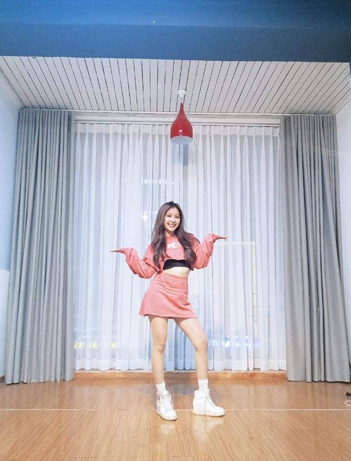 Cô hiện đang có một lớp dạy nhảy thu hút rất đông thành viên bởi sự dễ thương, tận tâm của mình.