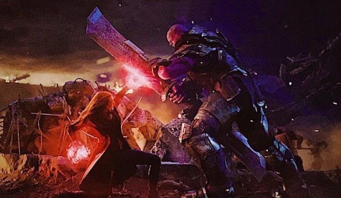 Scarlet Witch dư sức đánh bại Thanos trong kèo đấu 1vs1.