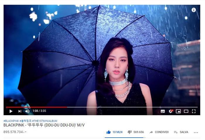 Khoảnh khắc MV đạt 10 triệu lượt thích trên Youtube ngày 27/7.