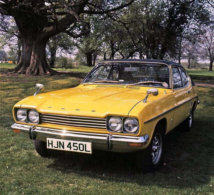 Ford Capri coupe được trang bị các dòng động cơ xăng khác nhau, bao gồm phiên bản động cơ V4 với dung tích từ 1,3 lít đến 2 lít, động cơ 4 xi-lanh thẳng hàng cũng từ 1,3 lít đến 2 lít, và phiên bản trang bị động cơ V6 có dung tích từ 2 lít đến 3,4 lít. Đi kèm là họp số sàn 4 cấp.Trong khoảng thời gian 1968-1986, đã có hơn 1,9 triệu chiếc Capri được bán ra tại châu Âu.(Ảnh: Pinterest)