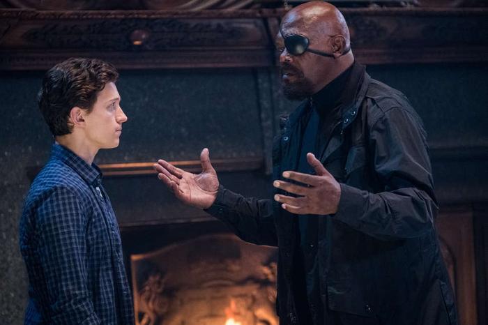 Nick Fury đã liên tục xuất hiện và giao nhiệm vụ cho Spider Man.