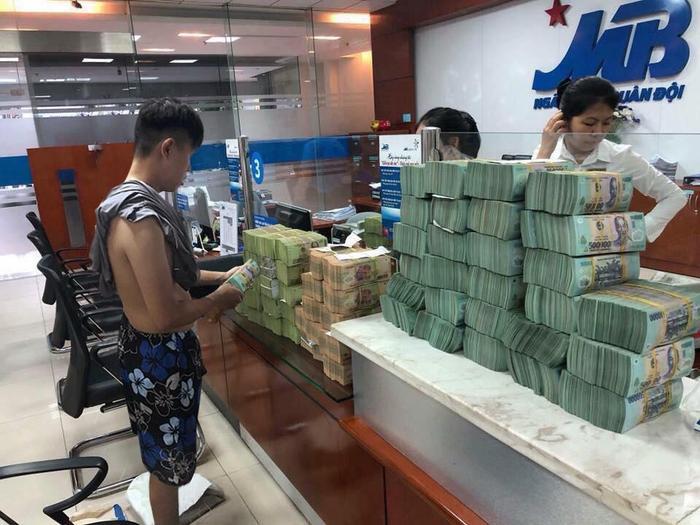 Thánh PTS nổi tiếng nhất Việt Nam tiết lộ quá khứ trẻ trâu từng chôm điện thoại để có tiền đi chơi với bạn gái, loay hoay kiếm việc làm ảnh 14