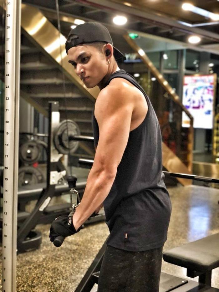 Ít ai biết Jun Phạm là một trong những sao nam sở hữu vóc dáng cực chuẩn, cơ bắp cuồn cuộn bởi anh ít khi đăng tải hình ảnh này lên trang cá nhân.