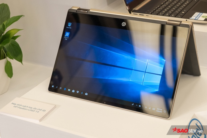 HP EliteBook x360 830 G6: Máy tính đa chế độ trang bị màn hình siêu sáng và tùy chọn màn hình cảm ứng chống lóa trong một thiết kế có thể xoay gập linh hoạt 360 độ để làm việc mọi lúc mọi nơi, dưới mọi điều kiện ánh sáng.