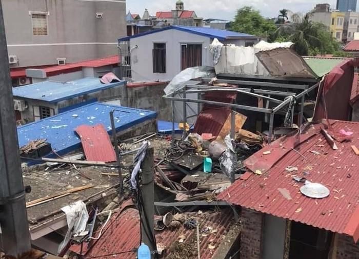 Khoảng 12h ngày 30/7, nhiều người dân phường Trại Chuối, quận Hồng Bàng, TP Hải Phòng nghe thấy một tiếng nổ cực lớn phát ra từ trong khu dân cư phố Đội Văn, phường Trại Chuối. Ảnh Công an Hải Phòng
