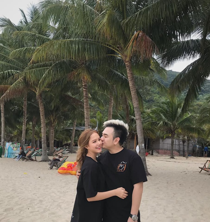 """Hiện tại, Thuỳ Trang đang gây chú ý bởi chuyện tình của mình với hot streamerXemesis -Tứ hoàng streamer"""" Việt Nam."""