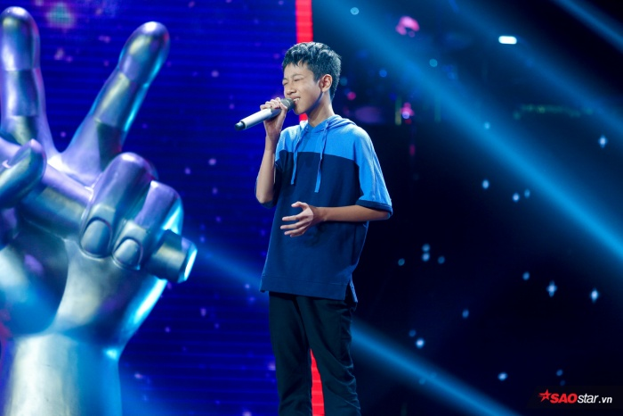 """Chỉ với 3 ca từ""""Trời ươm nắng"""", Đức Khôi đã lập kỉ lục tại The Voice Kids 2019."""