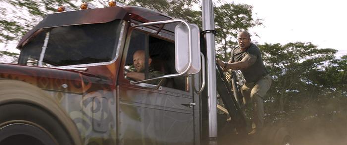 Fast  Furious: Ác nhân giống Thanos, Hobbs và Shaw chẳng khác gì siêu anh hùng! ảnh 7