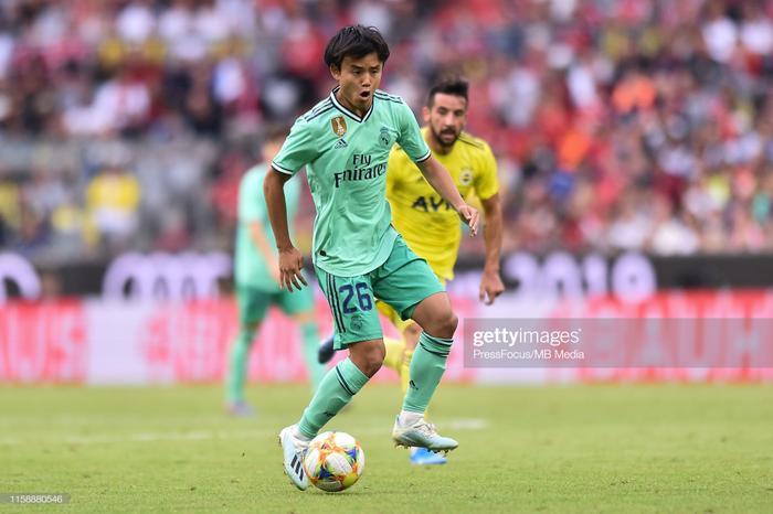 Tốc độ, sự khéo léo, khả năng bùng nổ và quan trọng hơn cả là tâm lý chững chạc của Kubo trước những ngôi sao củaFenerbahce khiến anh thu hút mọi sự chú ý thay vì Eden Hazard.