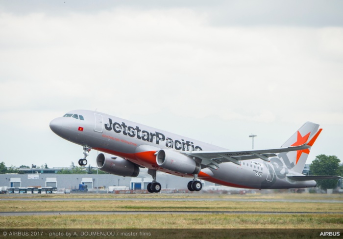 Do trục trặc kỹ thuật máy bay Jetstar Pacific phải đã tạm ngừng để khắc phục.